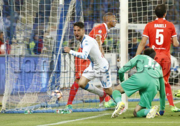 """VIDEO – Napoli-Fiorentina 4-1: ecco i gol """"live"""" ripresi dalla Curva A!"""