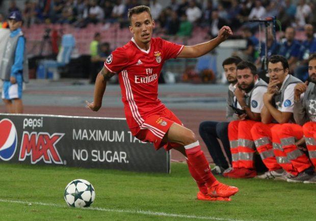 TMW – Intesa di massima tra Napoli e Benfica per Grimaldo, Sarri decisivo nella trattativa