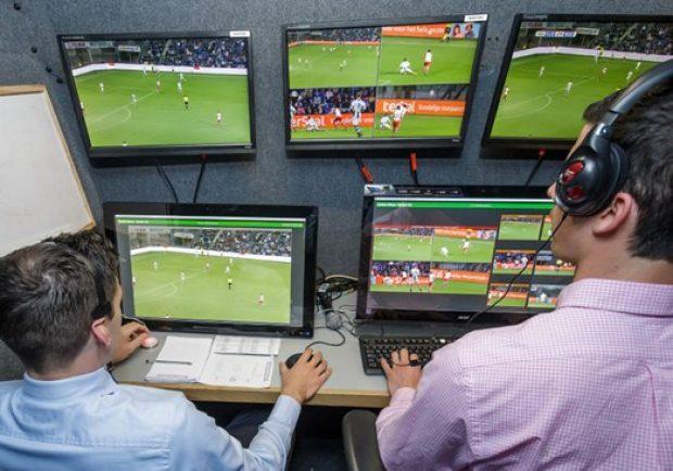 Bundesliga, problemi con il Var: federazione non soddisfatta, tecnologia a rischio