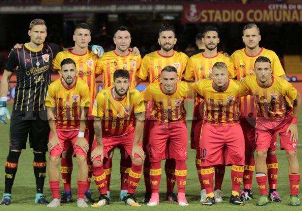 Serie A, turno infrasettimanale. Benevento-Roma anticipata di mezz'ora