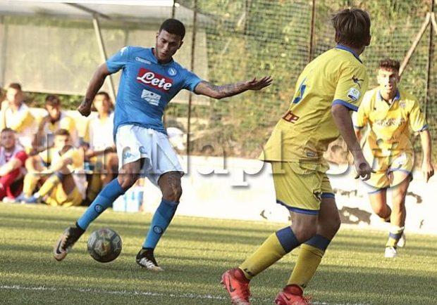 Napoli Primavera, trauma addominale rimediato in allenamento per Conte: l'attaccante classe '99 è sotto osservazione al Cardarelli
