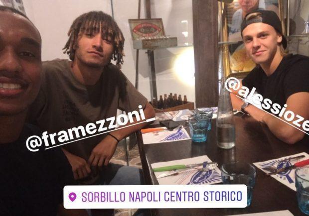 Foto – Leandrinho, Zerbin e Mezzoni da Sorbillo a mangiare una pizza