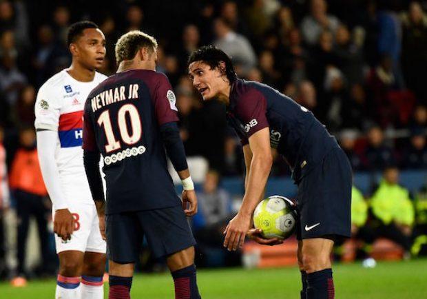 VIDEO – Psg, doppia lite di Cavani con Neymar e Dani Alves!