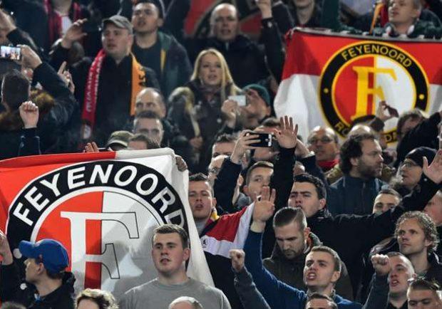 Tifosi del Feyenoord presenti a Napoli nonostante il divieto