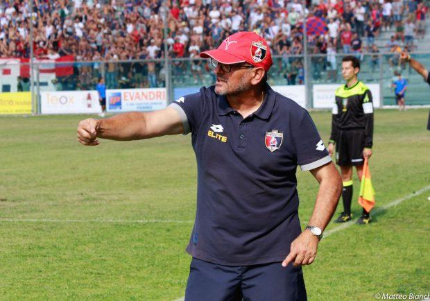 UFFICIALE – Lorentino Beoni è il nuovo allenatore della Primavera, prima foto con De Laurentiis