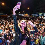 VIDEO – Milena Setola apre il concerto di Luchè a Gaeta