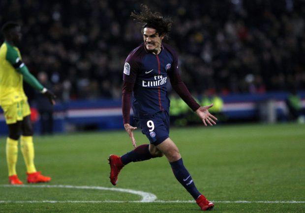 VIDEO – Psg-Caen, straordinario gol di tacco per Cavani ed ennesimo record per l'ex azzurro