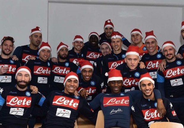 FOTO – Napoli, gli auguri di Natale della squadra