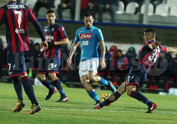 Crotone – Napoli 0-1, le pagelle di IamNaples.it: Hamsik fa 117 in azzurro e decide il match, serata in ombra per Mertens