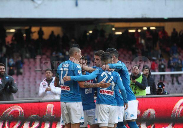 VIDEO – Natale in azzurro: Reina, Hamsik, Maggio e Rafael ricevono gli auguri dei tifosi azzurri