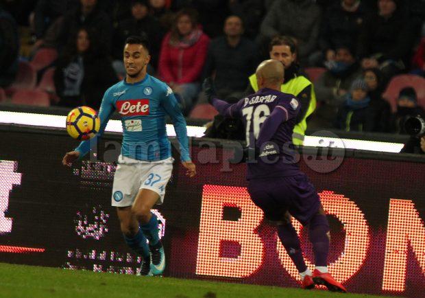 VIDEO – Ounas prende in giro Scarf dopo averlo battuto a Fifa