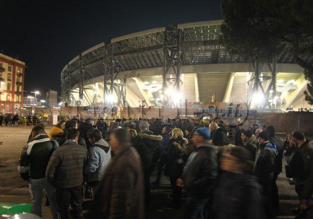 """La Repubblica: """"Biglietti agli ultrà: la Procura della Figc aprirà un fascicolo sul Napoli"""""""