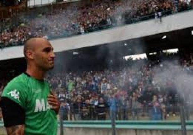 Cori e striscioni per Paolo Cannavaro dai tifosi del Sassuolo