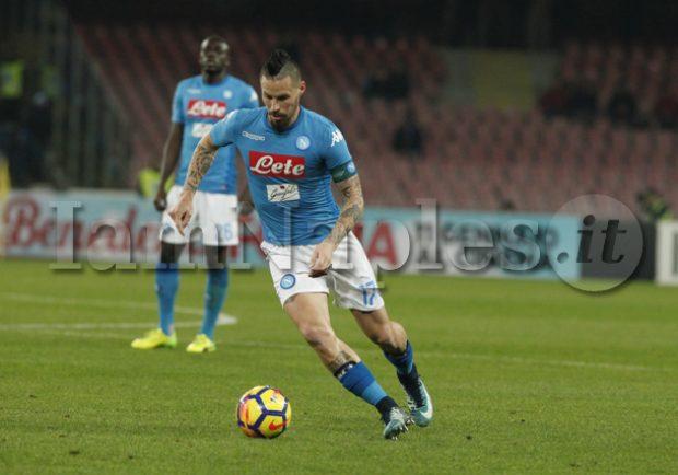 Kiss Kiss – Napoli, Hamsik resterà: il calciatore è pronto per Dimaro!