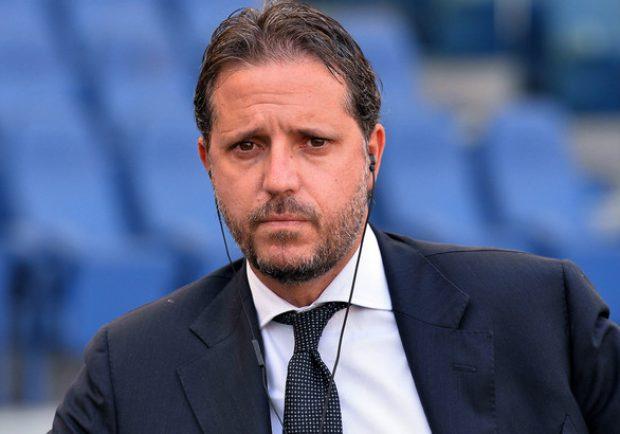 Image result for Juventus fabio paratici al tavolo dell'assemblea