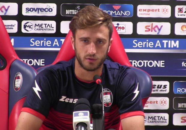 """Crotone, Barberis: """"Non dobbiamo pensare a cosa accade sugli altri campi. Contro il Napoli faremo di tutto per ottenere il risultato"""""""