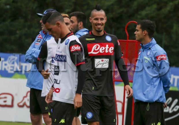 PHOTOGALLERY – Primo allenamento per il Napoli di Ancelotti. Ecco gli scatti di IamNaples.it