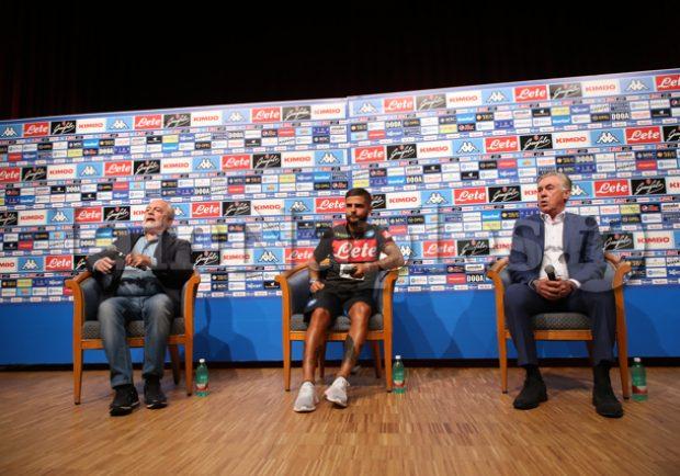 """RILEGGI IL LIVE – Ancelotti: """"Questa squadra ha bisogno solo di una regolatina"""". De Laurentiis: """"Cavani? Mi deve chiamare e ridursi lo stipendio. Il campionato ci è stato scippato…"""""""