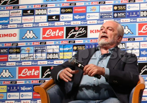 "VIDEO – ""Top player e Cavani al Napoli?"". De Laurentiis: ""Se mi chiama e si dimezza l'ingaggio…"""