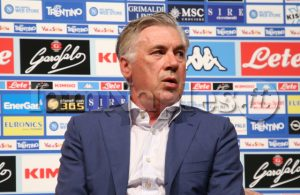 """Ancelotti: """"Si vede il lavoro straordinario di Sarri. Milan? Spero che possa tornare in alto, ma dietro al Napoli"""""""