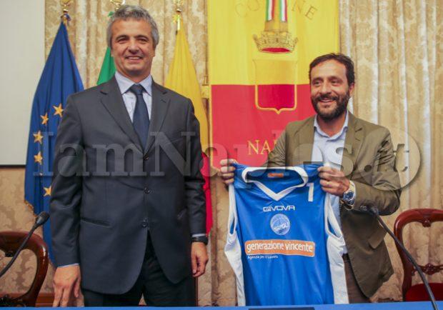 """Napoli Basket a Palazzo San Giacomo. Borriello: """"Riappassioniamoci"""" Grassi : """"Un pullman per i nostri tifosi a Casalnuovo"""""""