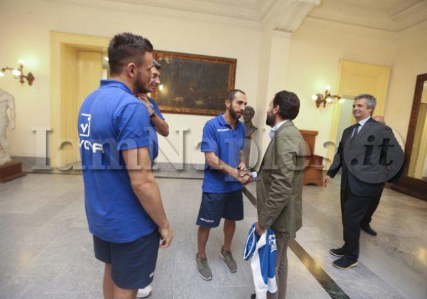 PHOTOGALLERY – L'Assessore allo Sport Borriello incontra la GeVi Napoli Basket prima del derby con Salerno