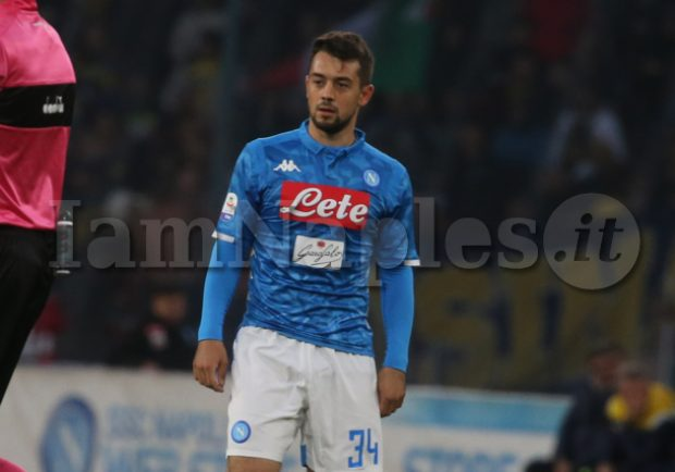Salisburgo-Napoli, Ancelotti preferisce Younes ad Ounas: l'algerino va in tribuna insieme a Karnezis