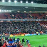 RILEGGI IL LIVE – Liverpool-Napoli 1-0 (35′ Salah). Alisson salva il Liverpool, azzurri fuori