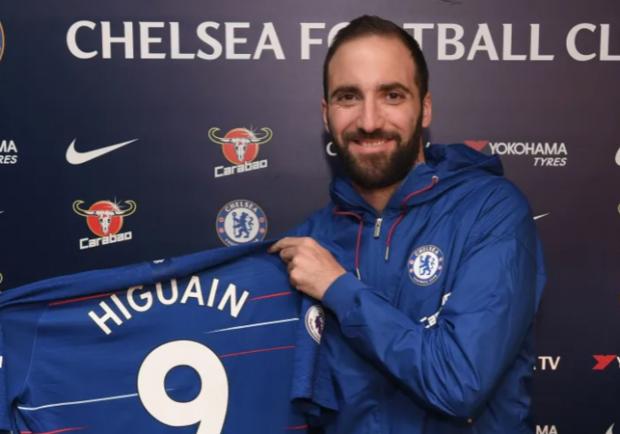 FOTO – City-Chelsea, Higuain beccato a sputare nel tunnel prima del match