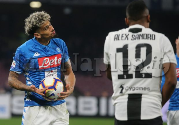 Juve, Alex Sandro infortunato: Napoli a rischio