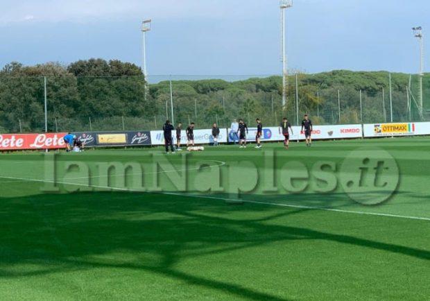 RILEGGI LIVE – Napoli: allenamento pomeridiano in vista dell'Arsenal, discorso di Ancelotti alla squadra. Differenziato per Albiol e Ounas