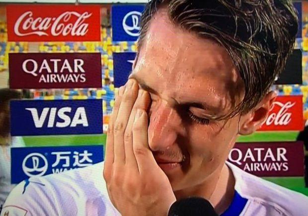 """Pinamonti in lacrime: """"Così fa male, ma anche questo è il calcio"""""""