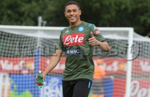 SKY – Napoli, Vinicius va al Benfica: il giocatore ha lasciato il ritiro