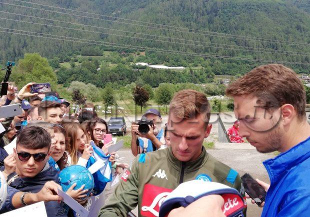 VIDEO E FOTO IAMNAPLES.IT – Dimaro, grande entusiasmo per Milik e Zielinski sul campo di Carciato