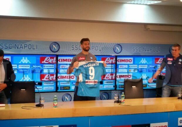 """Il """"Re Leone"""" è al Napoli: chi è Fernando Llorente e perché è un grande acquisto"""