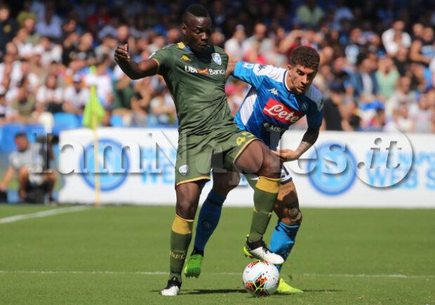 Balotelli, 'vaffa' all'arbitro e rosso in Brescia-Cagliari: in campo solo 7′