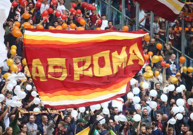 Da venerdì l'AS Roma inizi distribuire beni di prima necessità a tutti gli abbonati con più di 75 anni