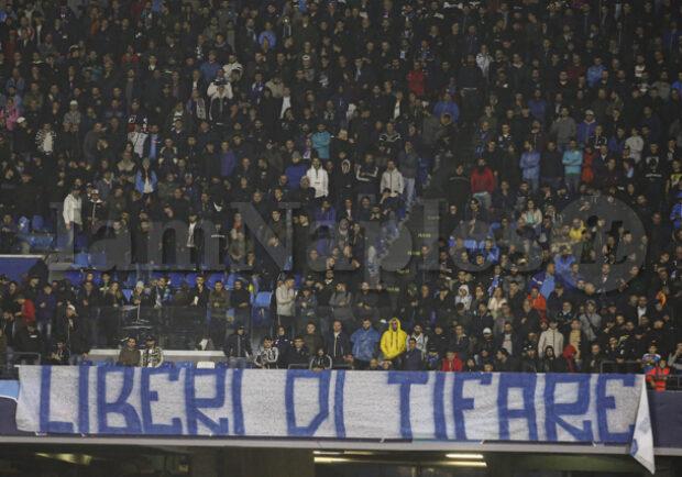 """La restaurazione non """"gira"""" ancora, il Napoli è in crisi totale ma ritrova il suo pubblico"""