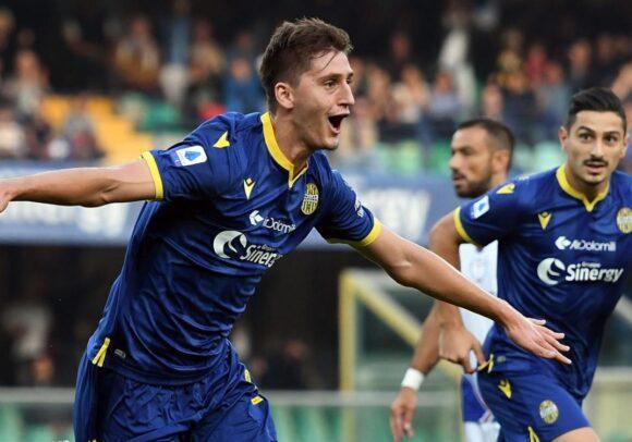 SKY – Napoli, incontro con gli agenti di Kumbulla che prende tempo: rinviato tutto a fine stagione