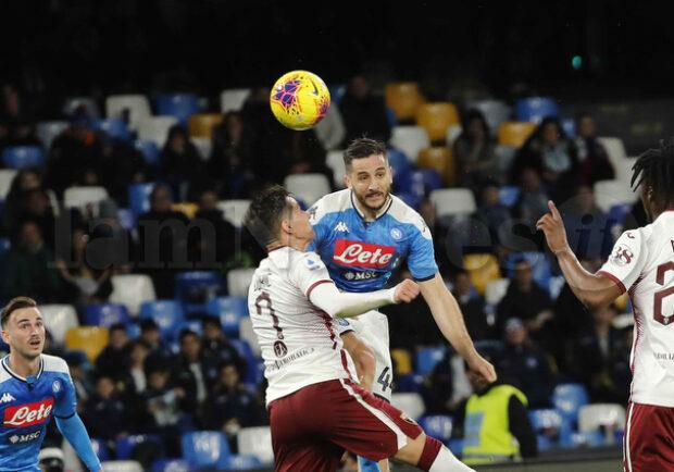 Serie A, ipotesi porte chiuse: tre partite a settimana e in alcuni casi su campo neutro