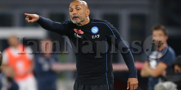 SSC Napoli's Italian coach Luciano Spalletti  gesticulate during the Serie A football match between SSC Napoli and Torino at the Diego Armando Maradona Stadium Naples, southern Italy, on October 17, 2021.