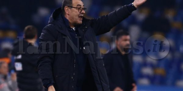 juventusÕs Italian coach Maurizio Sarri indications   during the Serie A  football match  SSC Napoli vs  Juventus FC at the San Paolo Stadium
